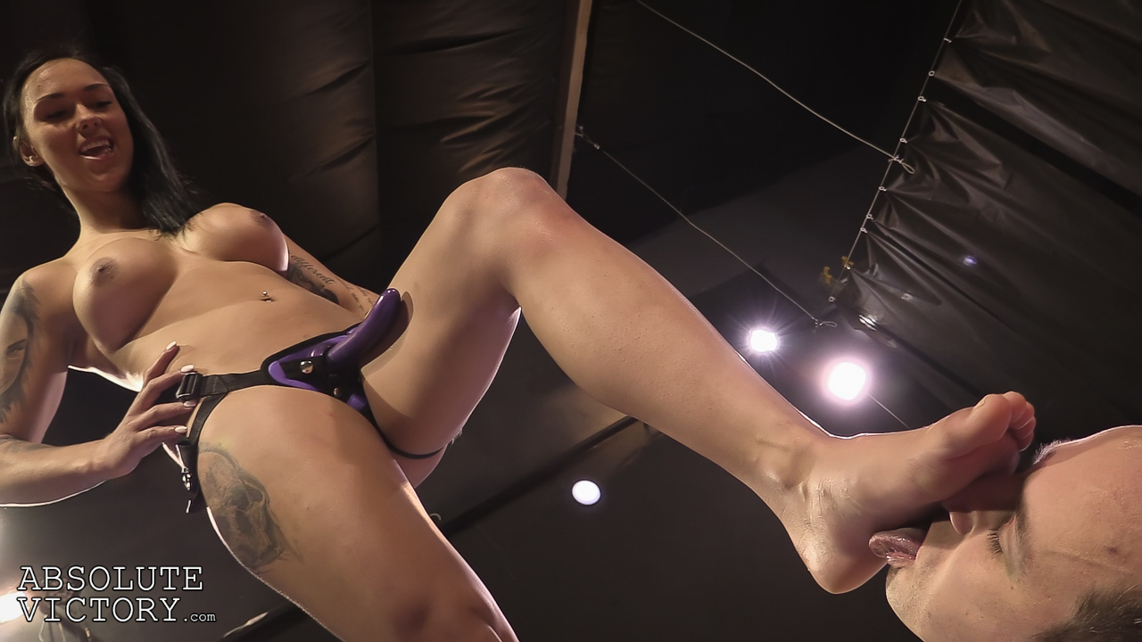Amazing Lesbian Foot Worship